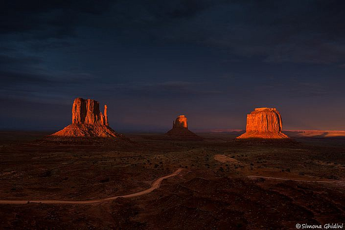 Fotografia di paesaggi con monument valley al tramonto